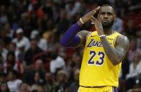 """Игрок """"Лейкерс"""" стал первым игроком в истории НБА, набравшим 10 и более очков в 900 играх подряд"""