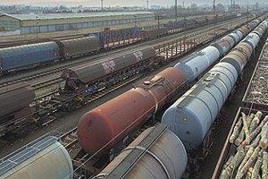 На границе с Россией застряла тысяча вагонов с украинскими товарами