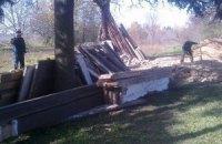 За разрушение старинной чумацкой хаты завели уголовное дело