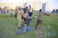 """Під час бійки біля метро """"Осокорки"""" постраждали 15 міліціонерів"""