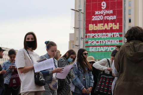 В Беларуси руководителя штаба оппонента Лукашенко задержали второй раз за три дня