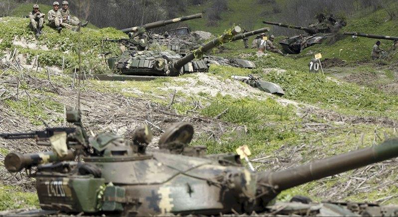 Солдаты непризнанной Нагорно-Карабахской Республики