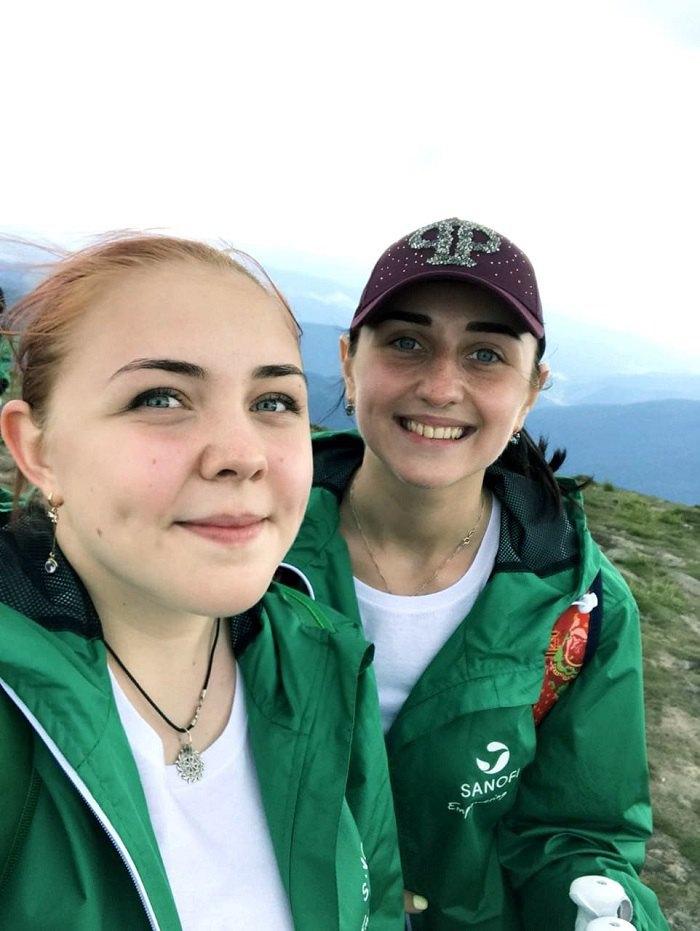 Ірина Стьопіна із сестрою