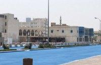 У Катарі в рамках експерименту пофарбували дорогу в блакитний колір