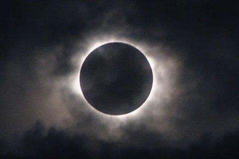 На следующей неделе можно будет увидеть редкое лунное затмение