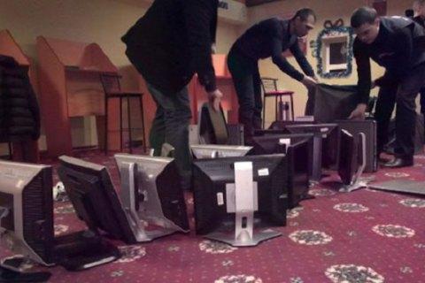 У Запоріжжі поліція ліквідувала вісім гральних залів, які працювали під виглядом мережі лотерей