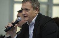 В Колесниченко бросили смирительную рубашку