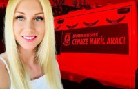 На арендованной вилле в Турции нашли мертвой украинку в наручниках и с пакетом на голове