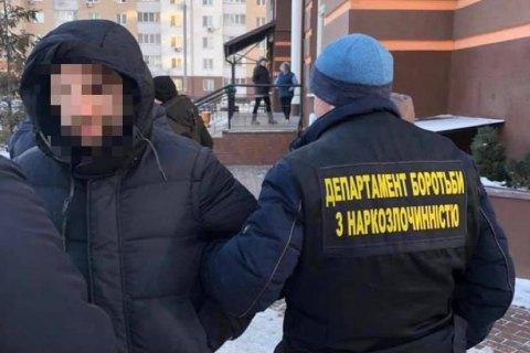 Поліція затримала киянина за продаж фальшивих довідок про відсутність ковіду