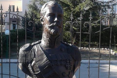 Поклонская: в Крыму замироточил бюст Николая II