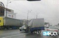 В Днепропетровске прицеп врезался в проезжающую мимо маршрутку