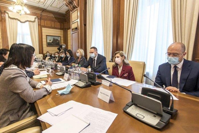 Під час зустрічі керівника ОПУ Андрія Єрмака та дружини президента Олени Зеленської з представниками правозахисних організацій з протидії домашньому насильству