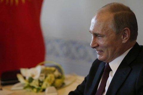 Путін занурився у батискафі на дно Чорного моря