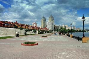 З Оболонської набережної в Києві прибрали всі торгові точки