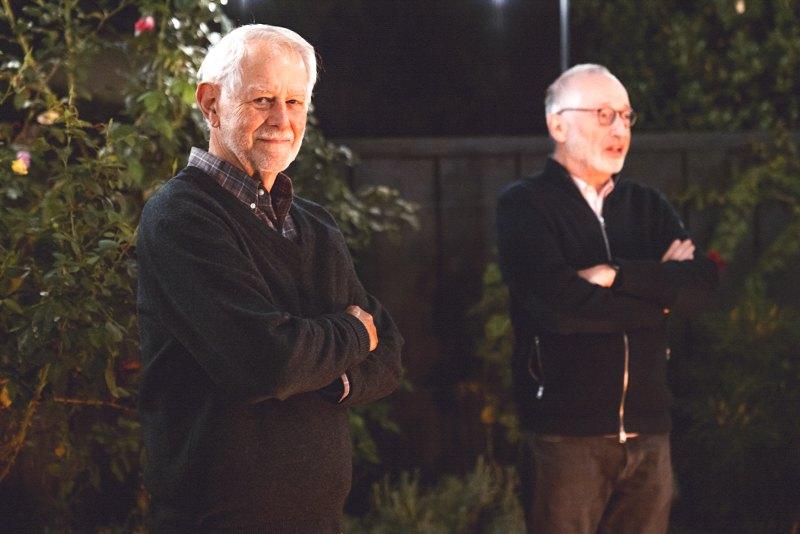 Боб Вілсон і Пол Мілгром (справа)