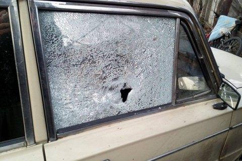 Боевики обстреляли гражданский автомобиль в Майорске