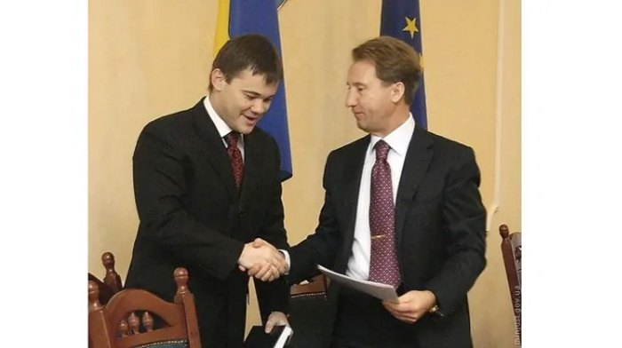 У 2007 Андрій Богдан уже працює заступником міністра юстиції Миколи Онищука