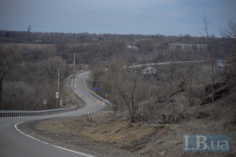 Дорога на шахту Золоте, Луганщина