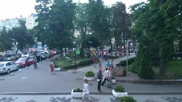 Уцентрі столиці невідомий зарізав чоловіка тавтік з місця злочину,— ЗМІ