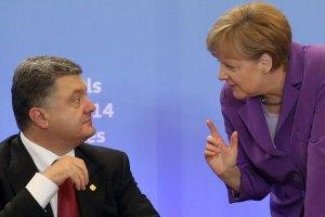 """Меркель пообіцяла Порошенкові """"жорстку підтримку"""" України на засіданні Європейської ради"""