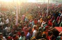В давке при раздаче бесплатной одежды в Бангладеш погибли 25 человек