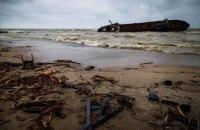 Из-за аварии танкера в Одессе концентрация нефтепродуктов в воде превышена в 90 раз