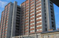 У Львові з 11 поверху гуртожитку випала 17-річна дівчина
