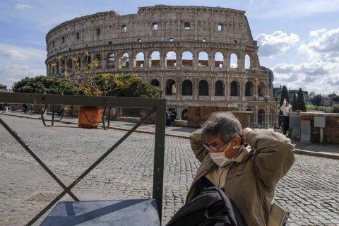 """В Італії пояснили, чому в країні показники смертності від коронавірусу """"зашкалюють"""""""