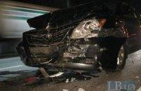 На выезде из Киева пьяный водитель на Toyota протаранил Volkswagen