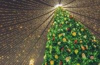 За новорічну ніч із Софійської площі вивезли 83 кубометри сміття