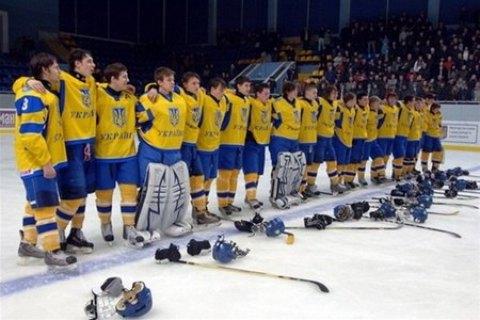 Двох хокеїстів збірної України дискваліфікували за підозрою в участі в договірному матчі