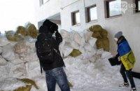"В Сумах ""антимайдановцы"" разобрали баррикады Евромайдана"