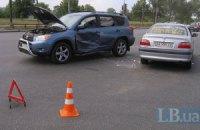 На перехресті в Києві зіткнулися машини