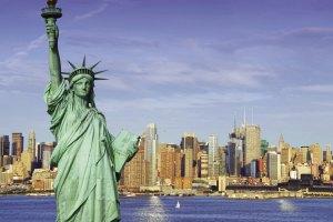"""В Нью-Йорке """"заминировали"""" Статую Свободы"""