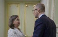 Яценюк провів пізню зустріч з Нуланд