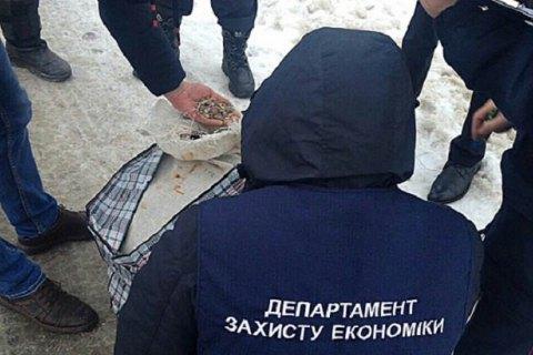 Полиция изъяла янтаря на полмиллиона гривен в Ровенской области