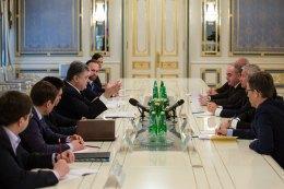Порошенко запросив європейців до написання нової Конституції