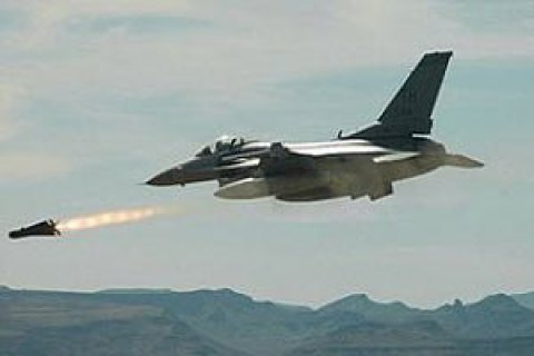 Сирійська авіація посилила атаки на позиції повстанців під Дамаском