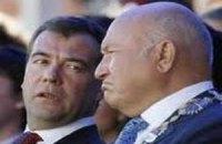 Лужков раскритиковал Медведева в интервью BBC