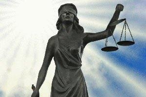 Суд оштрафував пенсіонерку за заклик не голосувати за ПР (Документ)