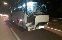 На Рівненщині автобус з паломниками, які поверталися з Києва, зіткнувся з вантажівкою