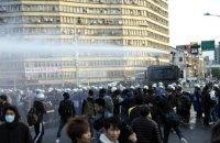 На Тайване военные ветераны подрались с полицией