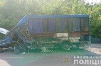 Из-за столкновения маршрутки с иномаркой в Винницкой области один человек погиб, четверо пострадали