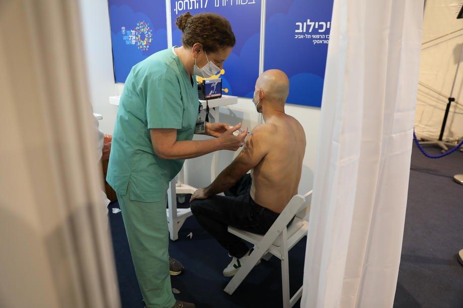 Вакцинація проти COVID-19, Тель-Авів, 31 грудня 2020 р