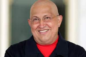 Чавес впервые после лечения появился в прямом эфире