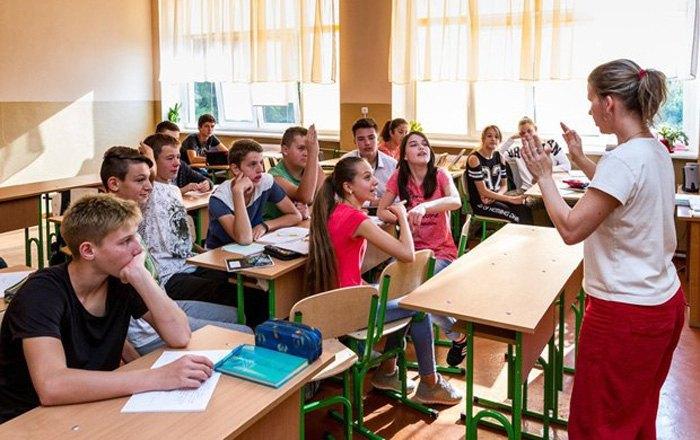 Урок угорської мови в середній школі № 10 в Ужгороді, 11 вересня 2017.