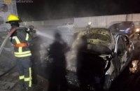 У селі під Києвом уночі згоріли п'ять автомобілів