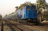 В Єгипті пасажирський поїзд зійшов з рейок і загорівся