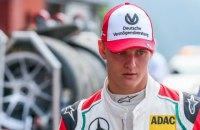 Сын Шумахера стал чемпионом Формулы-2
