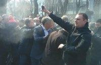 Возле памятника Ватутину в Киеве произошла драка